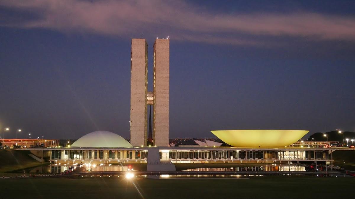 <8ヵ国目>ブラジル/Brazil【南米97日目】<ブラジリア泊> 30時間のバス移動を終えて、カンポグランジからブラジリア到着!ブラジリア1泊することに。そして人生初のヒッチハイク!