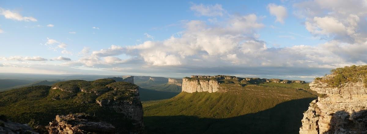 <8ヵ国目>ブラジル/Brazil【南米100日目】<レンソイス泊>  ブラジルの秘境『シャパーダジアマンチーナ国立公園』ツアー1日目!一番メジャーなテーブルマウンテンサンセットや鍾乳洞、青の洞窟観光!
